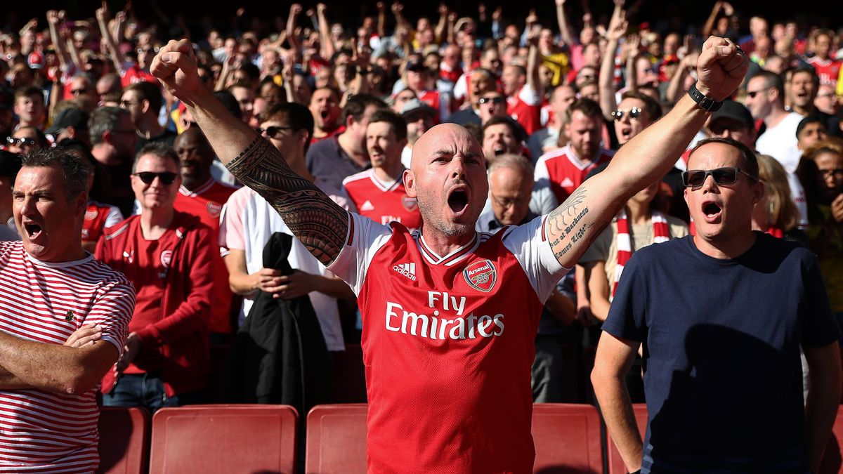 Cluburile din Premier League vor să schimbe o regulă veche de 25 de ani