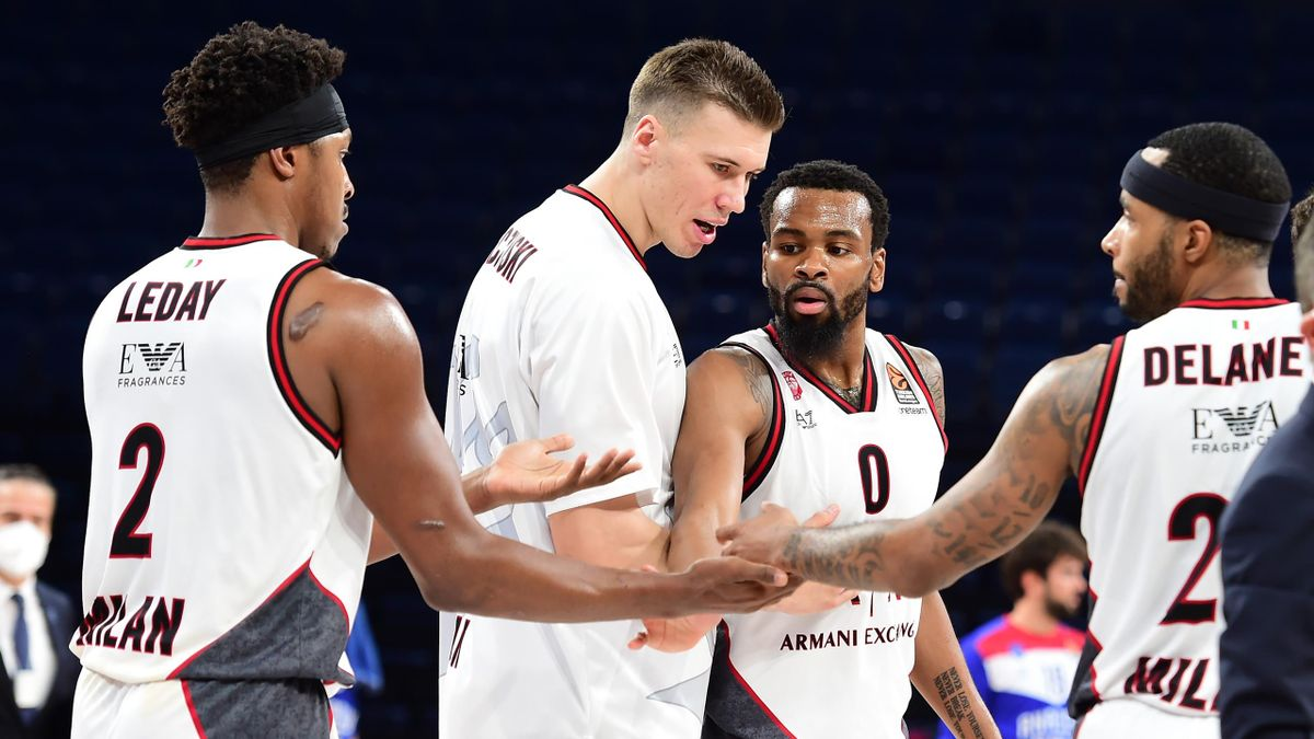 Zach Leday, #02 of AX Armani Exchange Milan, Kaleb Tarczewski, #15 of AX Armani Exchange Milan, Kevin Punter, #00 of AX Armani Exchange Milan and Malcom Delaney, #23 of AX Armani Exchange Milan during the 2020/2021 Turkish Airlines EuroLeague Regular Seas