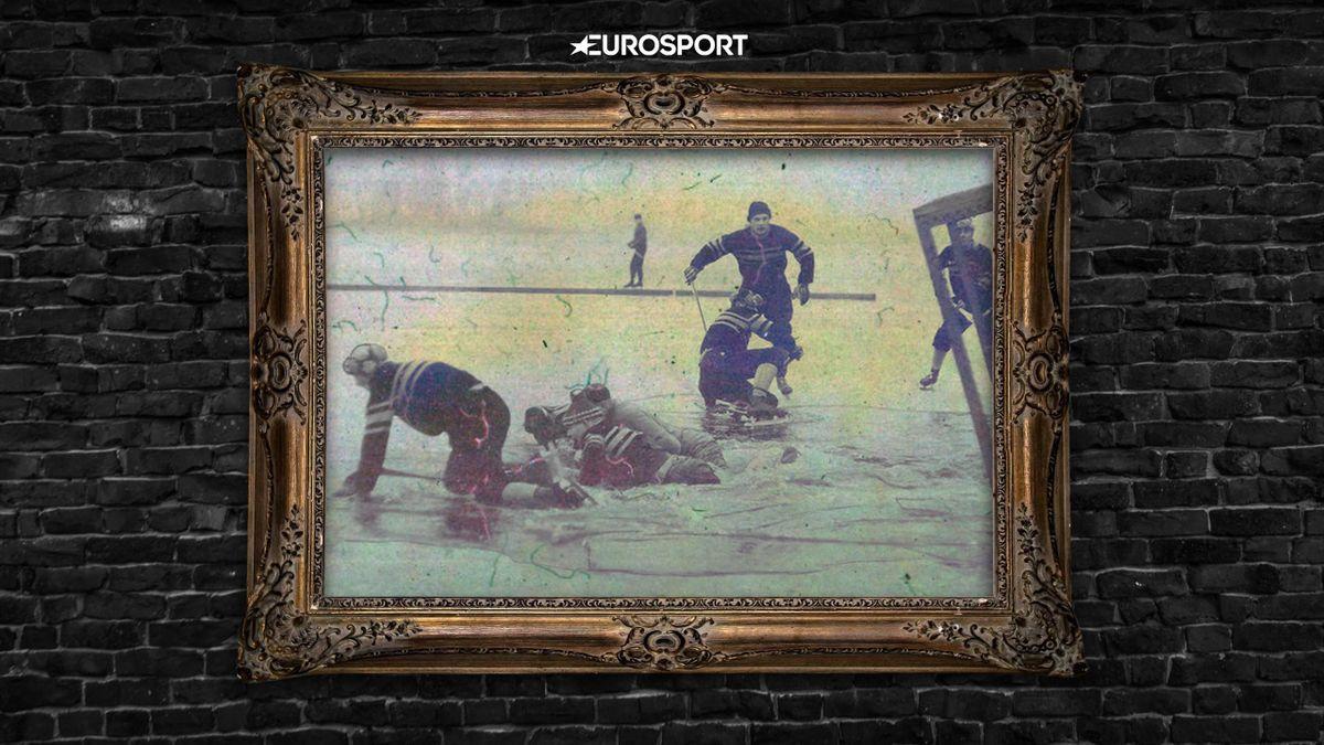 История великого фото: игроки в бенди провалились под лед, но продолжают матч