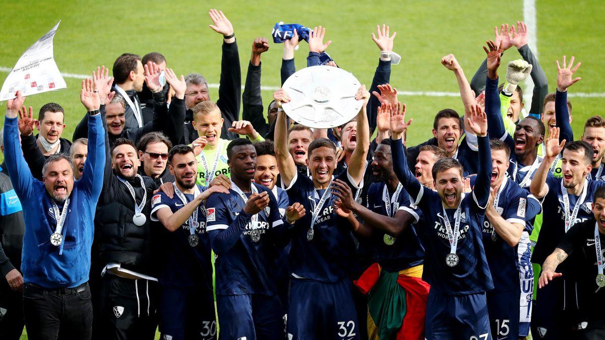 Der VfL Bochum feiert den Aufstieg in die Bundesliga