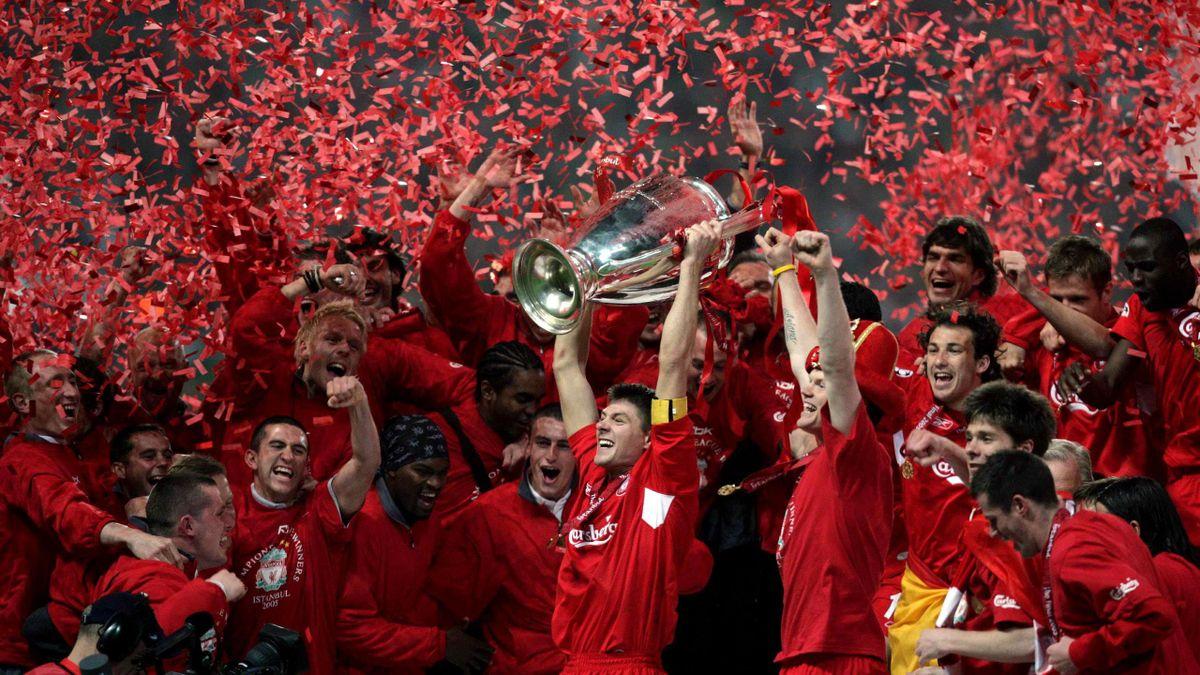 Steven Gerrard, legendarul căpitan al lui Liverpool, împlinește astăzi 40 de ani.