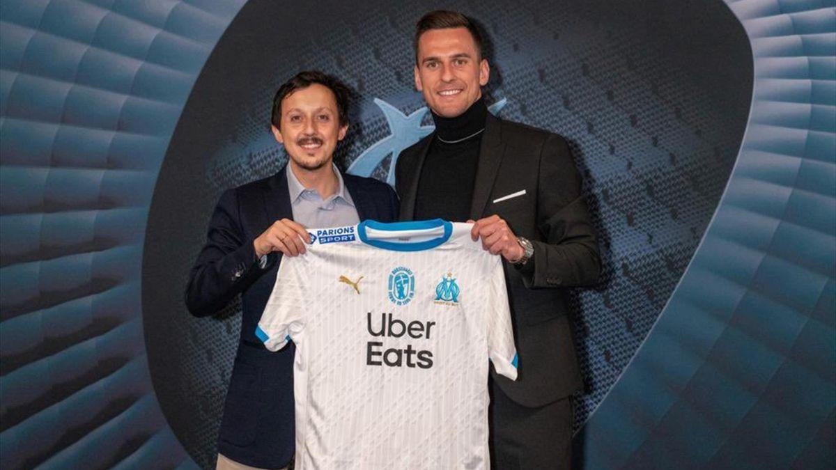 21 gennaio 2021: Arkadiusz Milik con la nuova maglia del Marsiglia