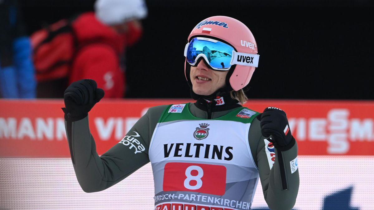 Dawid Kubacki savoure sa victoire à Garmisch lors de la Tournée des 4 Tremplins