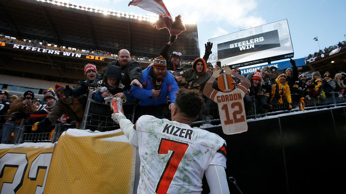 DeShone Kizer #7 of the Cleveland Browns hands one of his autographed cleats to a fan at the conclusion of the Pittsburgh Steelers 28-24 win over the Cleveland Browns at Heinz Field on December 31, 2017 in Pittsburgh, Pennsylvania.