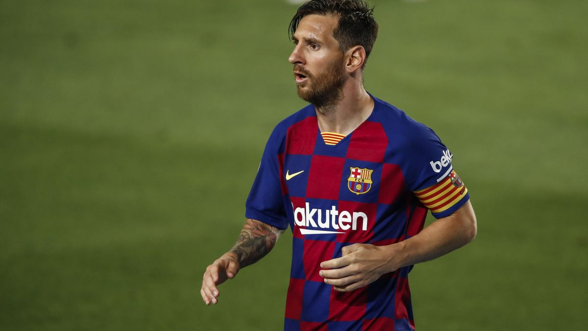 Lionel Messi I M Staying At Barcelona But Only To Avoid Court Battle Eurosport
