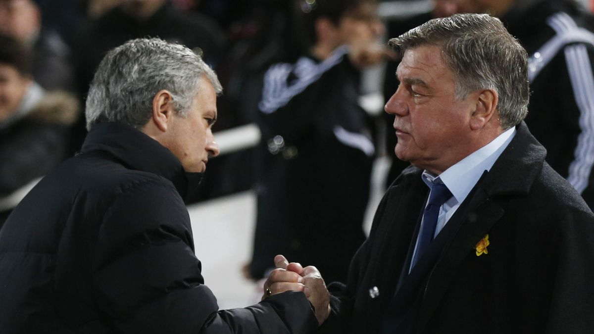 West Ham manager Sam Allardyce and Chelsea manager Jose Mourinho before the match