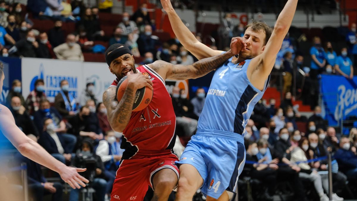 Malcom Delaney, #23 of AX Armani Exchange Milan in action during the 2020/2021 Turkish Airlines EuroLeague Regular Season Round 5 match between Zenit St Petersburg and AX Armani Exchange Milan at Sibur Arena on February 22, 2021 in Saint Petersburg