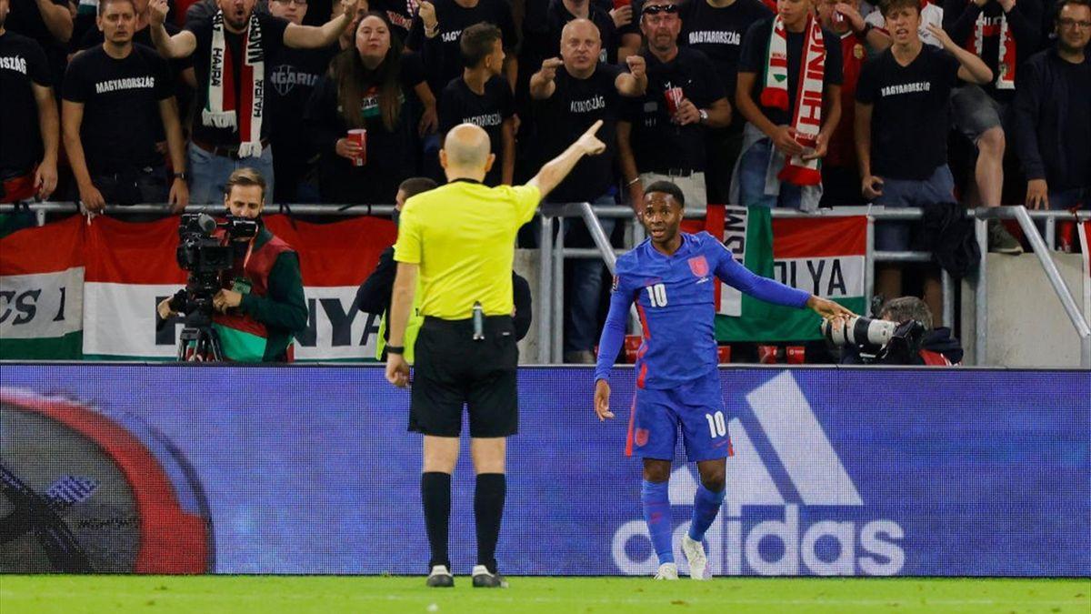 Le offese dei tifosi ungheresi a Raheem Sterling - Ungheria-Inghilterra Qualificazioni Mondiali 2022