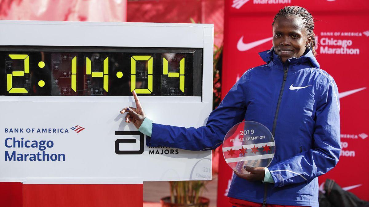 Brigid Kosgei läuft zu einem neuen Weltrekord