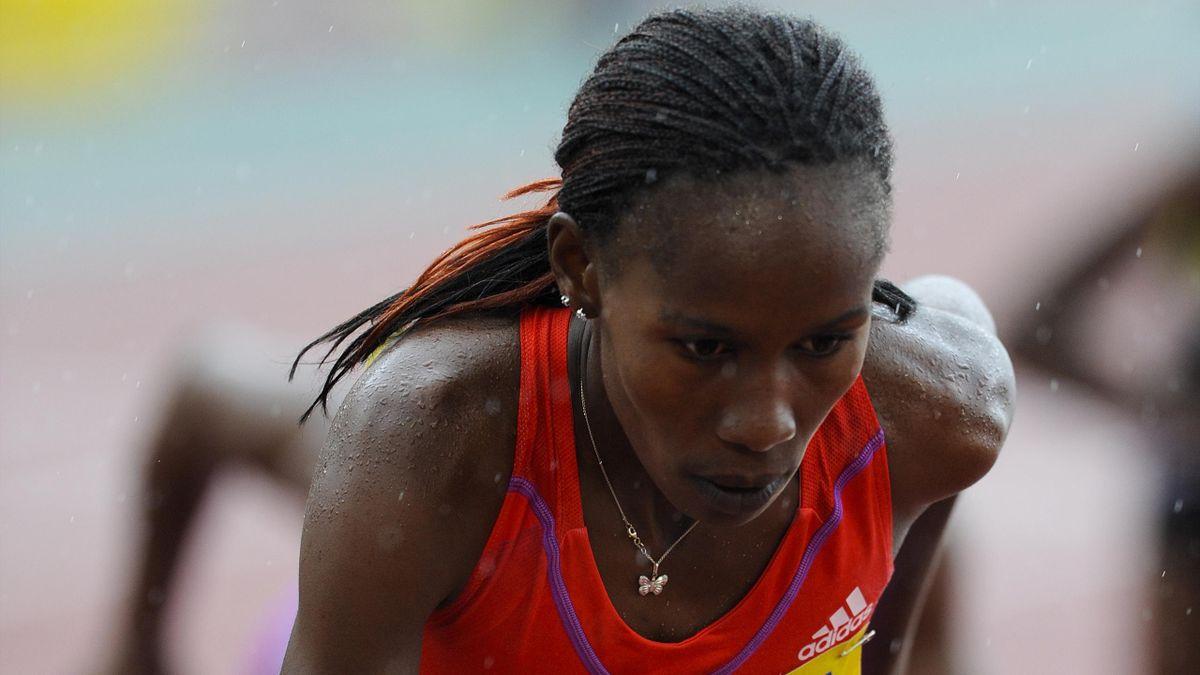 Jepkosgei hat ihren Weltrekord über 21,1 km verbessert