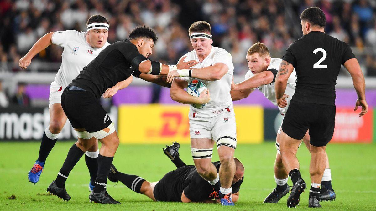 Coupe du monde 2019 - Tom Curry (Angleterre) échappe aux plaquages de la Nouvelle-Zélande