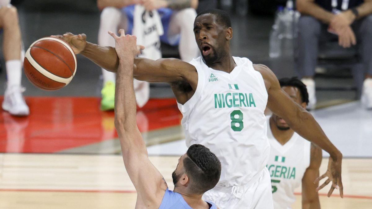 Ekpe Udoh in azione in amichevole tra Nigeria e Argentina, 2021