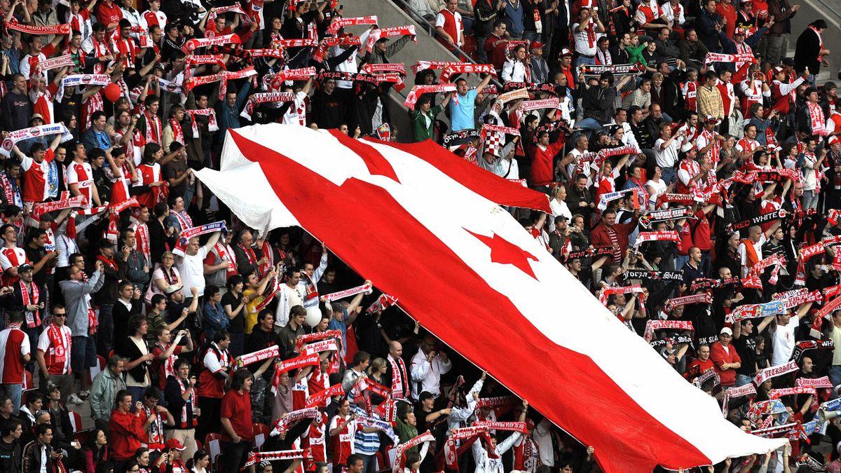 Fans of Slavia Prague