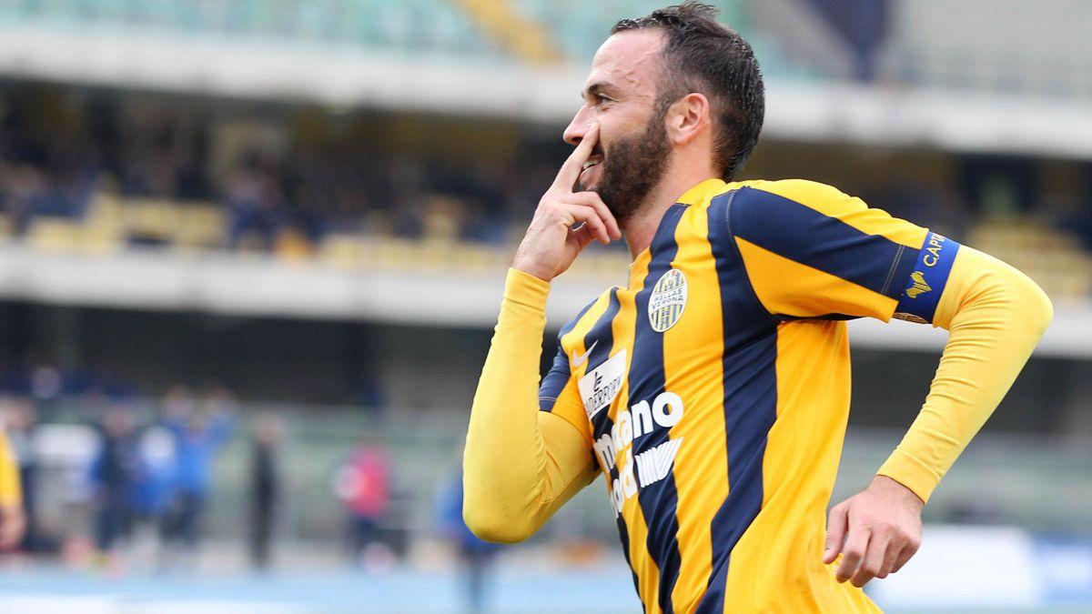 Serie A 2015/16, Verona-Udinese, Giampaolo Pazzini segna su rigore il suo primo gol con la maglia dell'Hellas