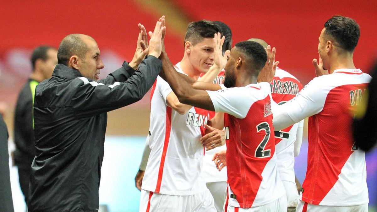 Leonardo Jardim félicite ses joueurs lors de Monaco-Bastia
