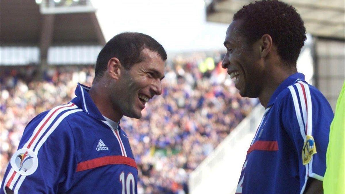 Zinedine Zidane jokes with Thierry Henry