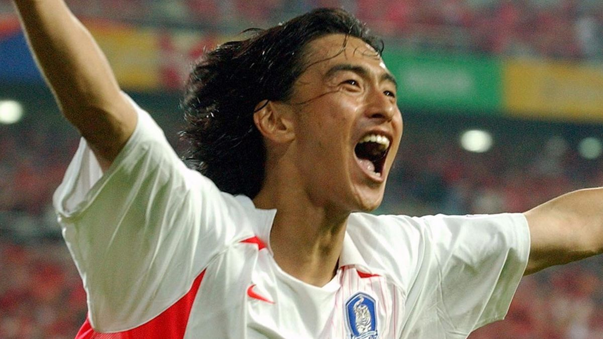 Ahn Jung-hwan celebrates his winner against Italy