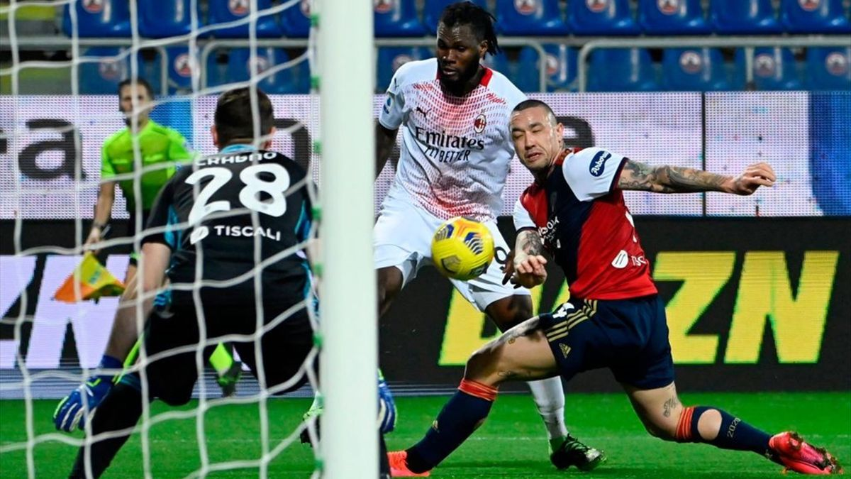 Kessié, Nainggolan - Cagliari-Milan - Serie A 2020/2021 - Getty Images