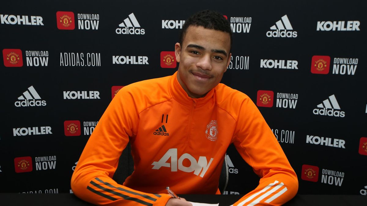 Greenwood signs new Manchester United contract