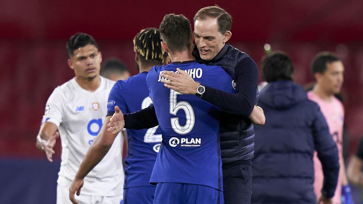 Thomas Tuchel celebrates Chelsea's Champions League quarter-final win with Jorginho