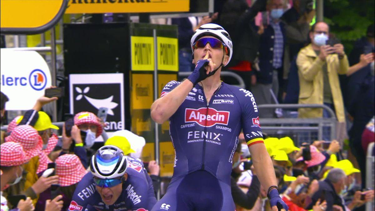 Highlights: Thomas, Roglic, Pogacar crash as Merlier takes Stage 3