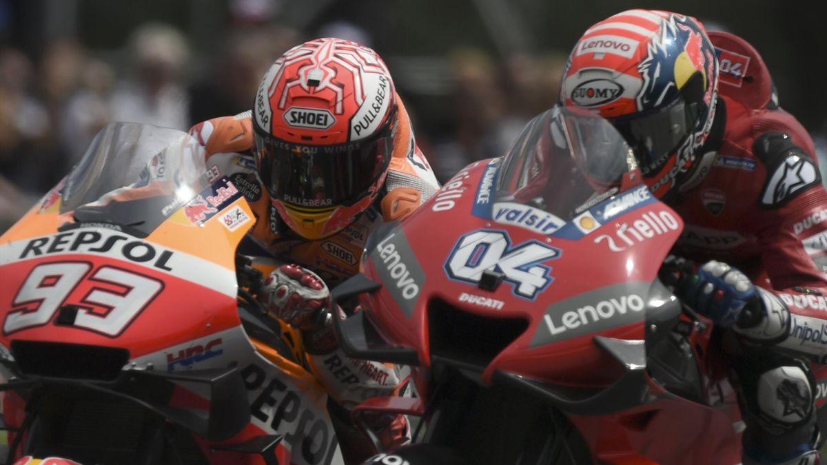 Andrea Dovizioso (Ducati Team) au coude à coude avec Marc Marquez (Honda HRC) au Grand Prix d'Autriche 2019