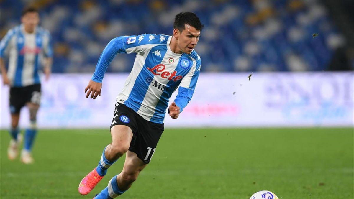 Hirving Lozano in azione - Napoli-Lazio Serie A 2020-21