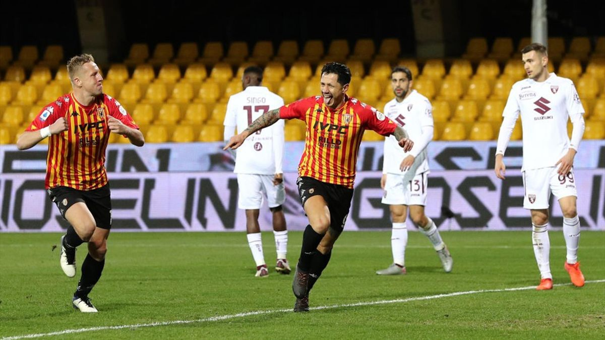 Gianluca Lapadula esulta - Benevento-Torino Serie A 2020-21