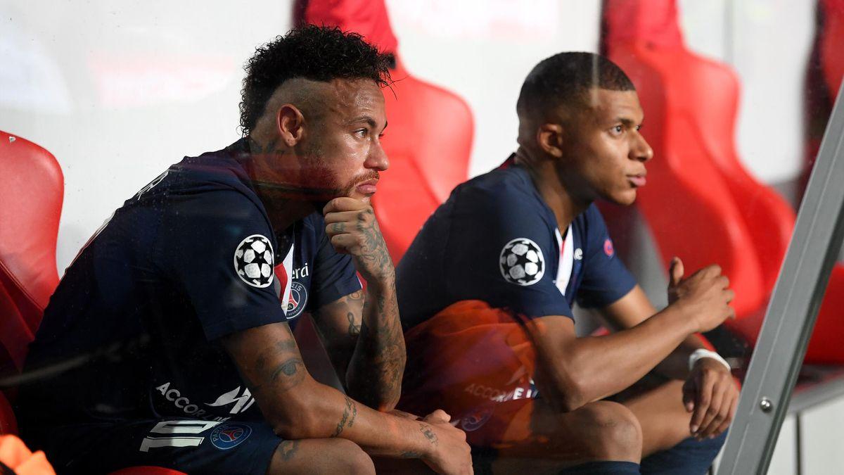 Neymar et Mbappé dépités sur le banc de touche
