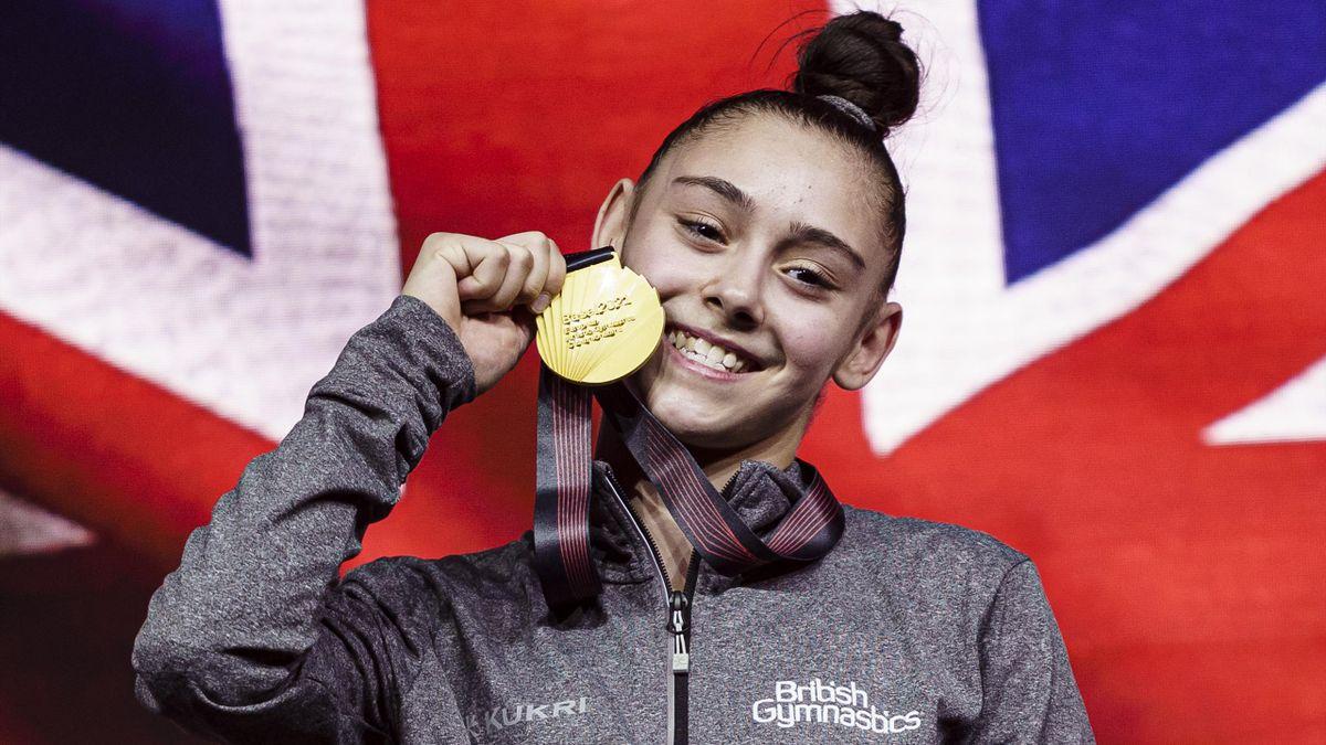 Jessica Gadirova celebrates her European Championship gold