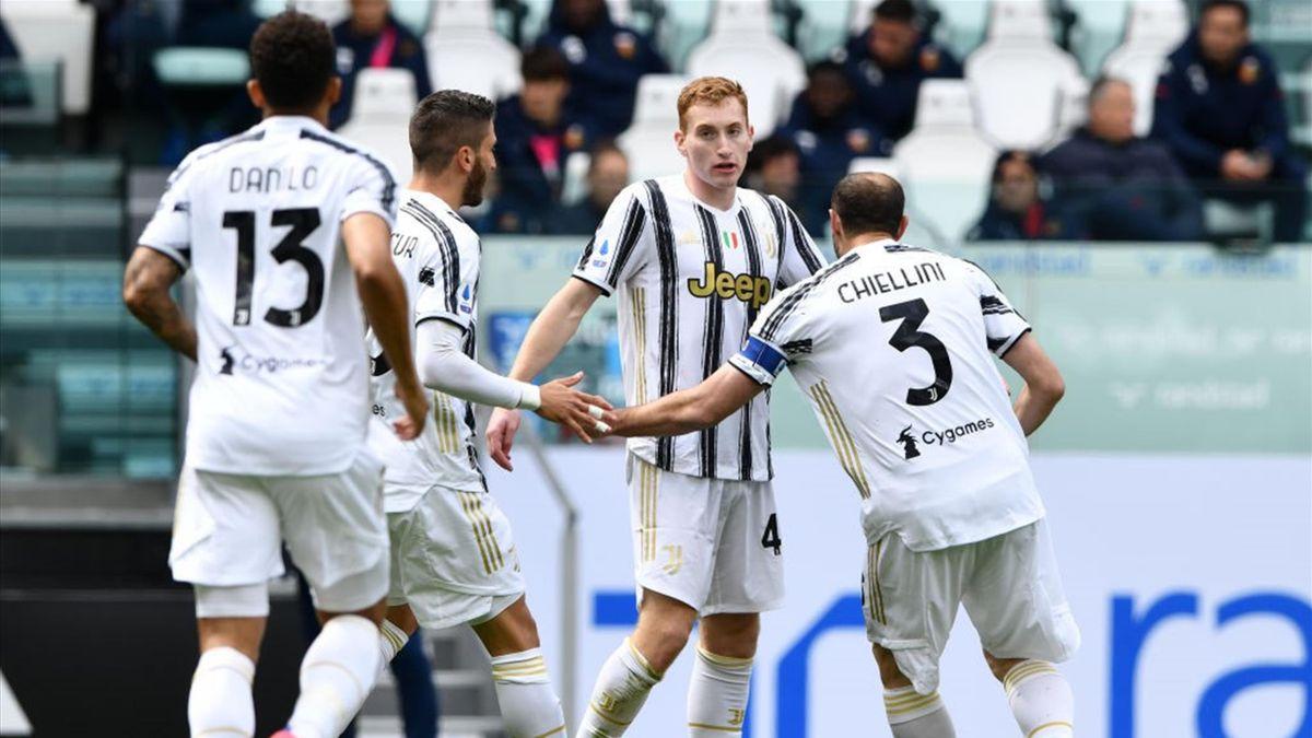 Dejan Kulusevski esulta dopo il gol in Juventus-Genoa - Serie A 2020-21