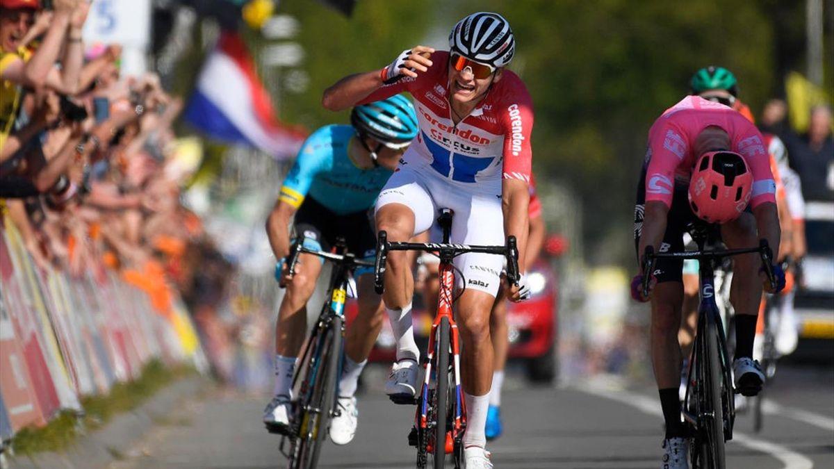 Mathieu van der Poel sul traguardo dell'Amstel Gol Race 2019 - Getty Images