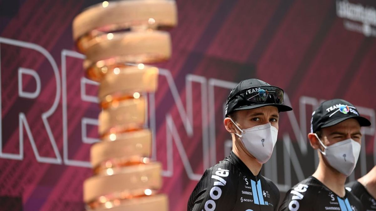 Jai Hindley alla partenza della tappa 9 - Giro d'Italia 2021