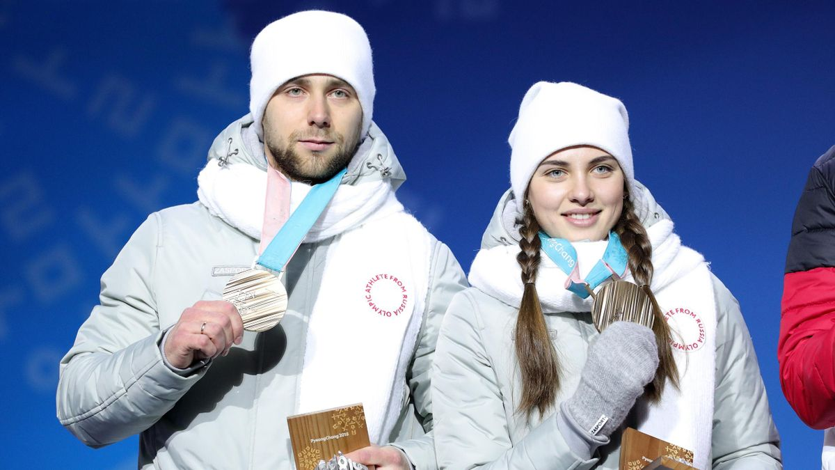 Bronze medalists Aleksandr Krushelnitckii and Anastasia Bryzgalova
