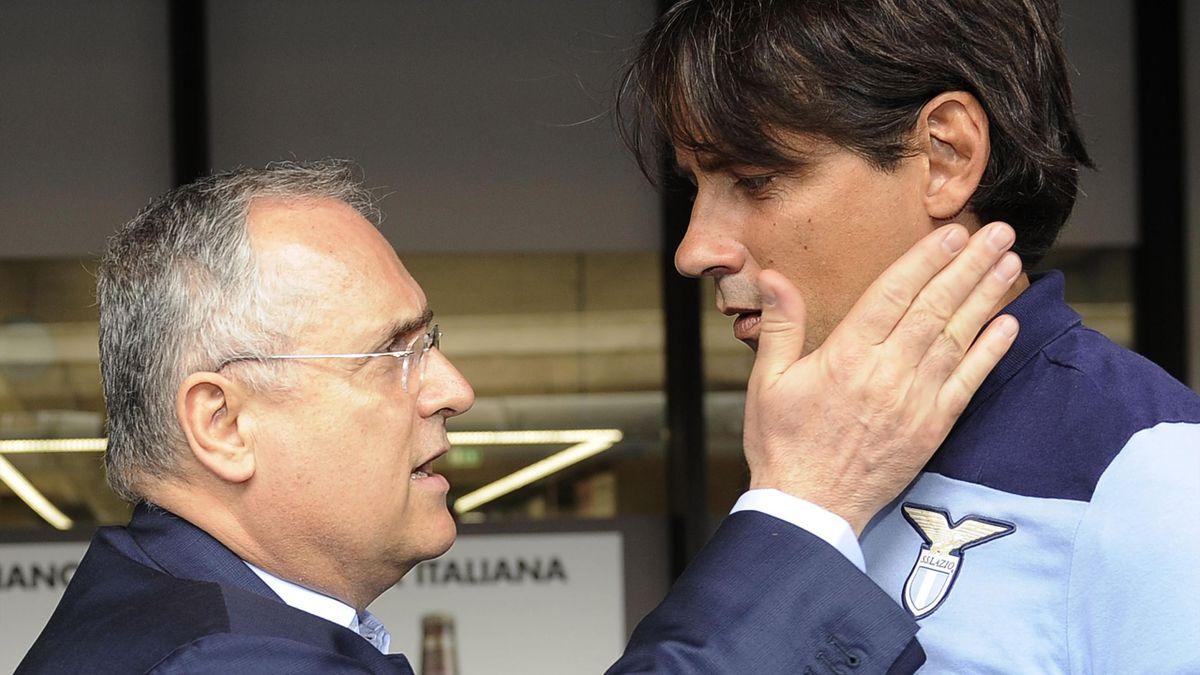 Claudio Lotito e Simone Inzaghi. Il presidente della Lazio dà un buffetto amichevole all'allenatore