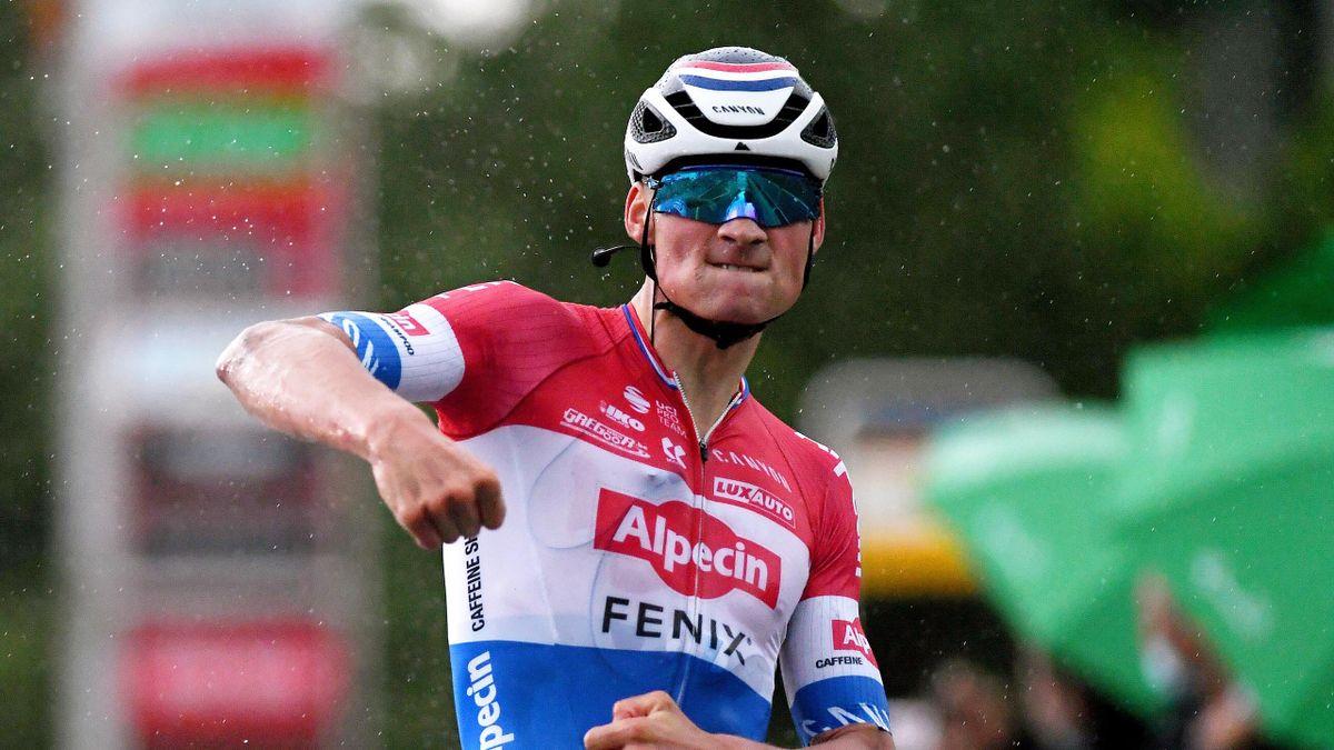 Mathieu van der Poel savoure sa victoire lors de la 2e étape du Tour de Suisse 2021