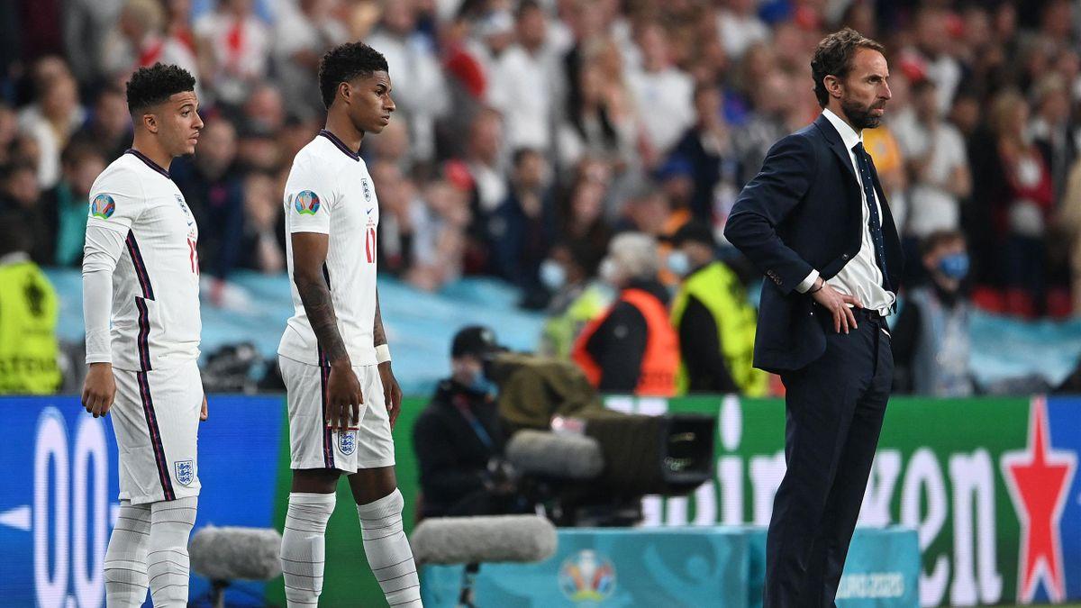 Jadon Sancho, Marcus Rashford avant d'entrer en jeu face à l'Italie