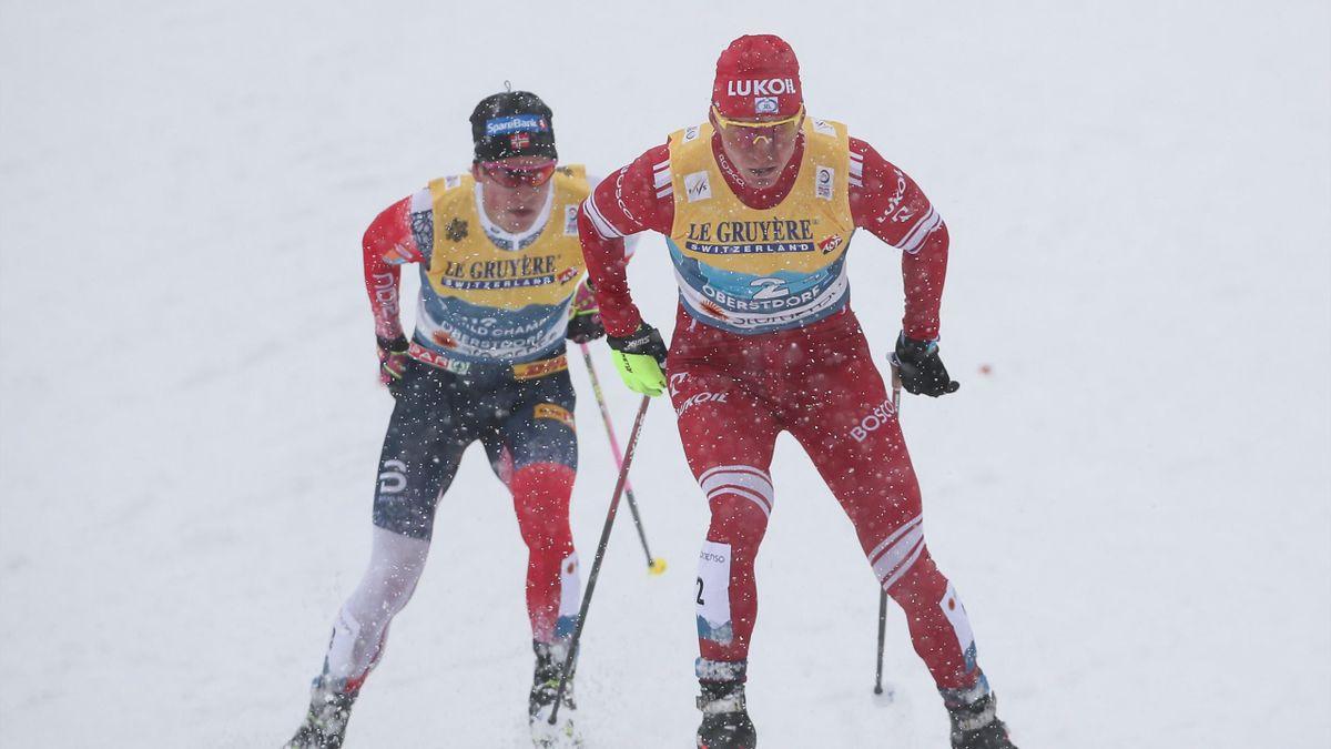 Александр Большунов (справа) и Йоханнес Клебо