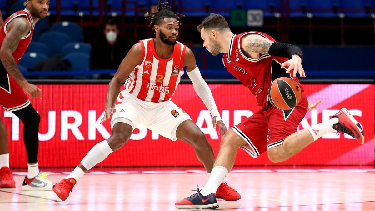Vladimir Micov, #05 of AX Armani Exchange Milan competes with Corey Walden, #2 of Crvena Zvezda mts Belgrade during the 2020/2021 Turkish Airlines EuroLeague Regular Season Round 9 match between AX Armani Exchange Milan and Crvena Zvezda mts Belgrade