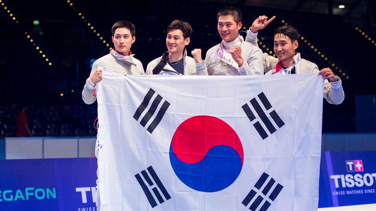 Les sabreurs sud-coréens Junho Kim, Gu Bongil, Sanguk Oh and Junghwan Kim sacrés lors des Mondiaux de Leipzig