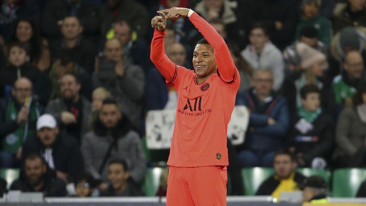 Kylian Mbappé célèbre un but sur la pelouse de Saint-Etienne, le 15 décembre 2019.