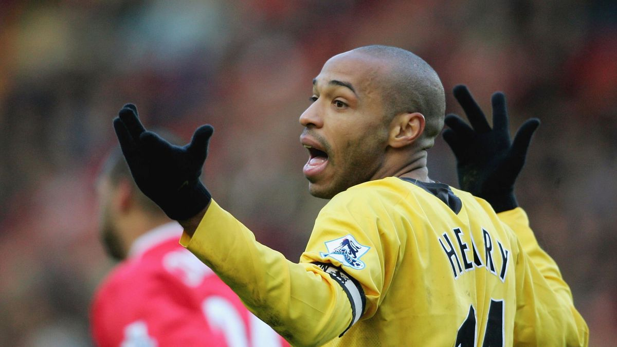 Thierry Henry of Arsenal looks dissapointed as the assistant referee waves him for a foul during the Barclays Premiership match between Charlton and Arsenal at The Valley on December 26, 2005 in London,