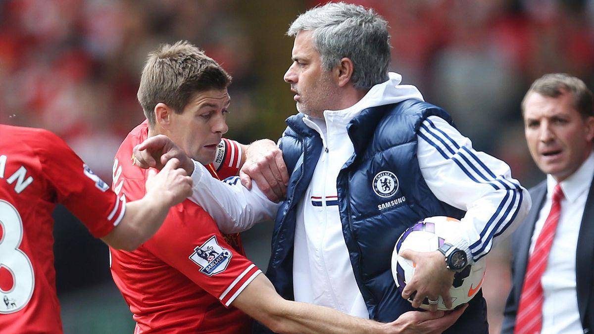 José Mourinho (Chelsea) n'a pas l'intention de laisser le titre à Liverpool et Steven Gerrard