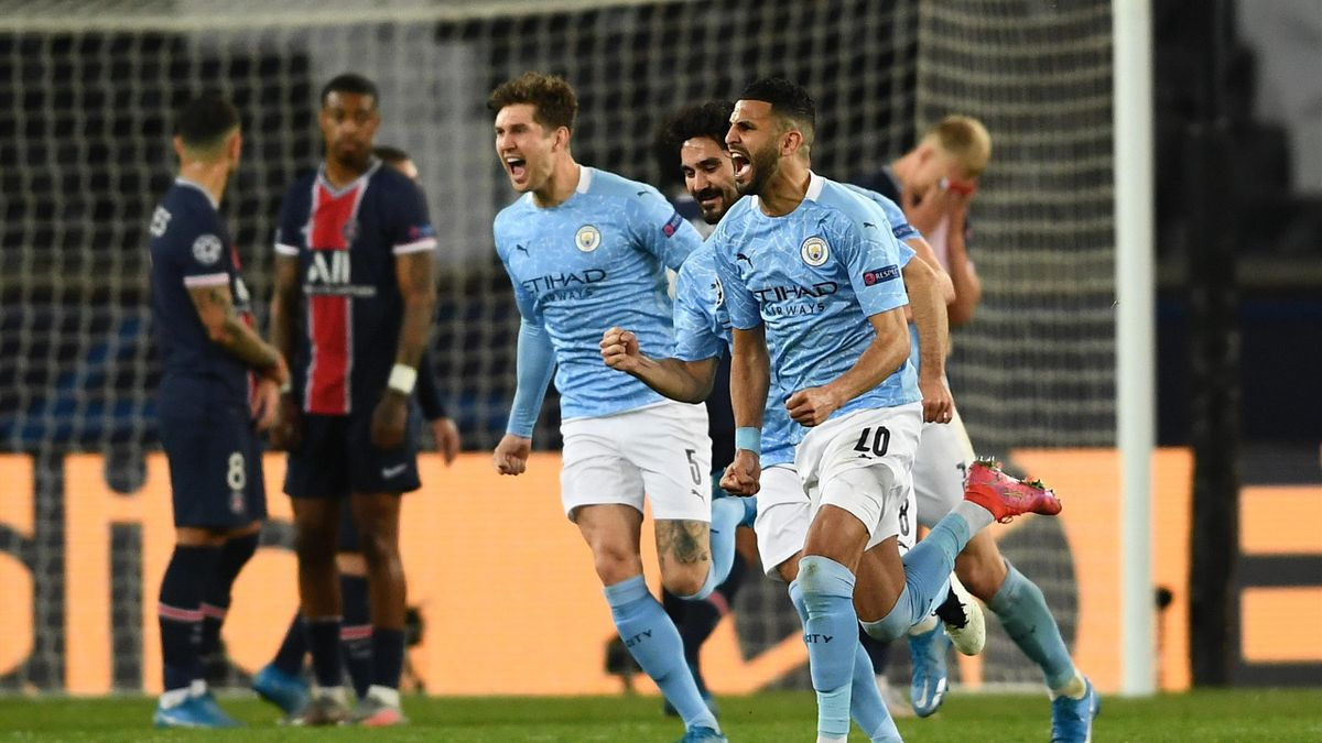 Riyad Mahrez of Manchester City celebrates with team mates after scoring their side's second goal during the UEFA Champions League Semi Final First Leg match between Paris Saint-Germain and Manchester City at Parc des Princes
