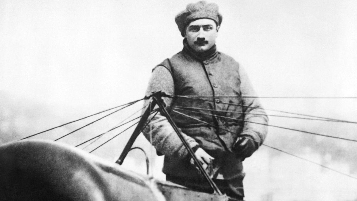 Luftfahrtpionier Roland Garros nach seiner historischen Mittelmeer-Überquerung 1913