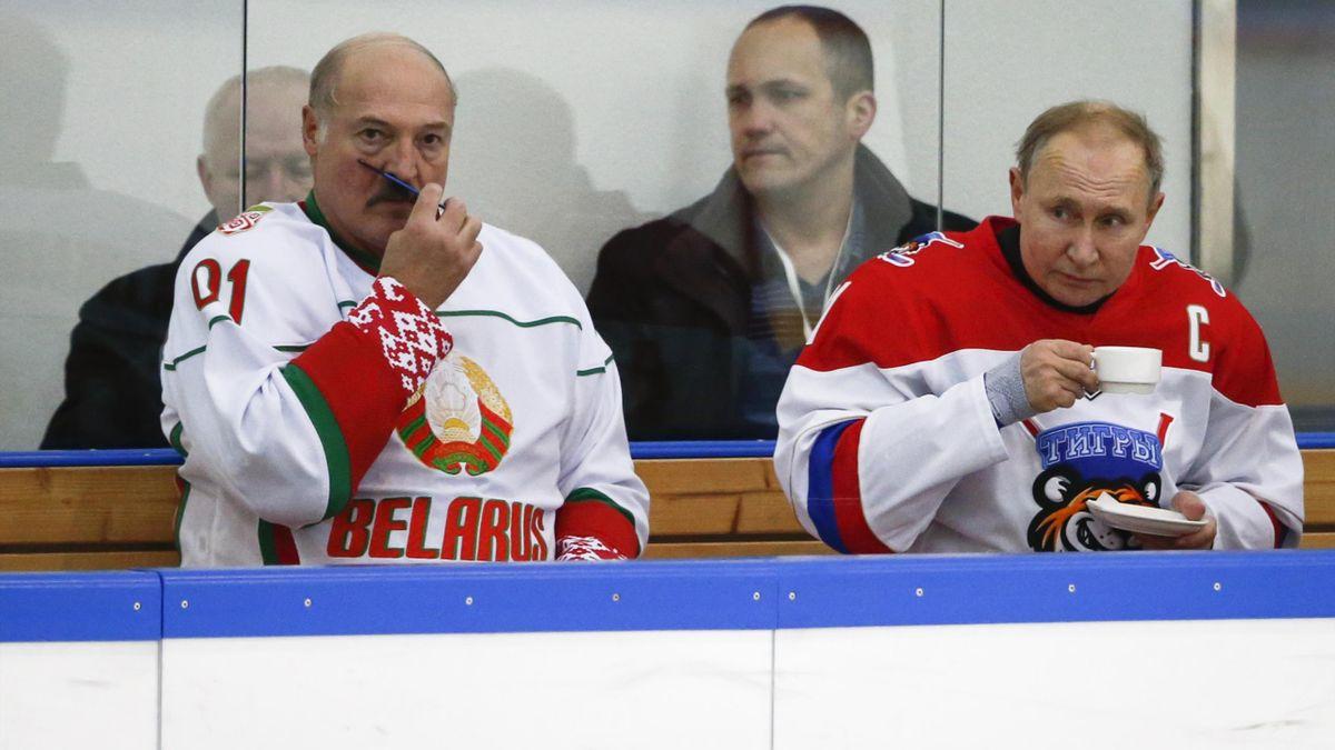 Александр Лукашенко и Владимир Путин на хоккее