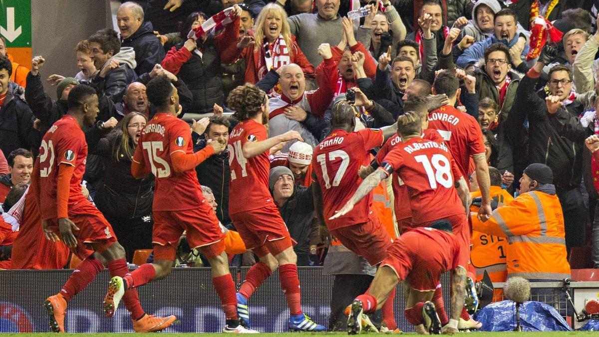Der FC Liverpool feiert den Sieg gegen Borussia Dortmund