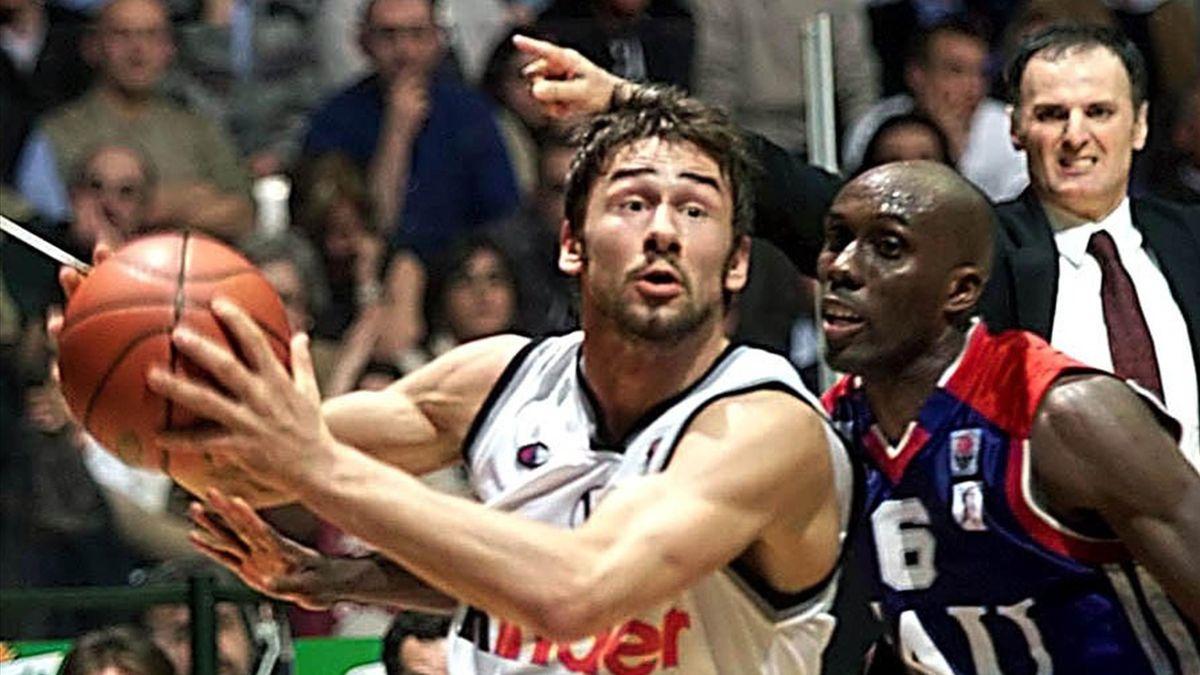 Marko Jaric, Elmer Bennett, Virtus Bologna.TAU Vitoria, Eurolega 2000-2001 (LaPresse)