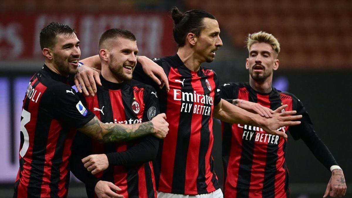 L'esultanza dei giocatori del Milan - Milan-Crotone Serie A 2020-21