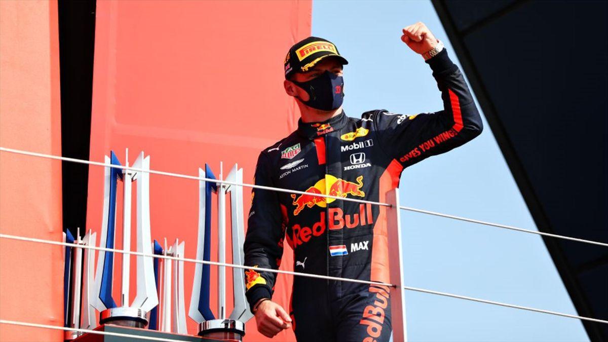 Max Verstappen (Red Bull) a câștigat cursa aniversară a Formulei 1, desfășurată la Silverstone